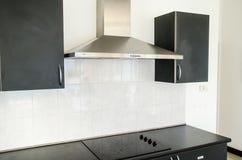Capa de fogão na sala da cozinha Fotos de Stock Royalty Free
