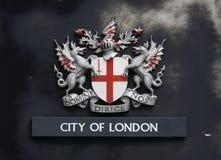 Capa de Londres de brazos Imágenes de archivo libres de regalías