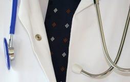 Capa de los doctores imagenes de archivo