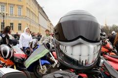 Capacete protetor do motociclista Foto de Stock