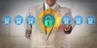 Capacité d'Increasing Cloud Storage de directeur des technologies de l'information photographie stock libre de droits