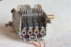 capacitor paraleli talerz zdjęcie stock