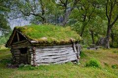 Capanna abbandonata nella foresta Fotografia Stock Libera da Diritti