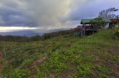 Capanna accogliente in montagne superiori Fotografie Stock Libere da Diritti