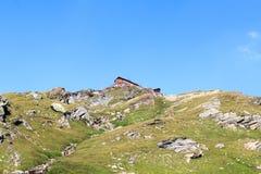 Capanna alpina Badener Hutte sulla montagna, alpi di Hohe Tauern, Austria Fotografie Stock