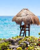 Capanna del bagnino sulla costa messicana Fotografia Stock Libera da Diritti