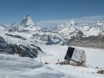 Capanna della montagna nelle alpi svizzere Immagine Stock Libera da Diritti