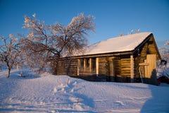 Capanna della regione selvaggia su un itinerario di corsa con gli sci nel lappland Fotografia Stock