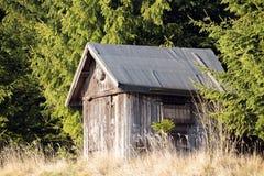 Capanna di legno dei cacciatori Fotografia Stock Libera da Diritti