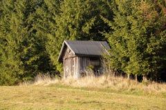Capanna di legno dei cacciatori Fotografia Stock