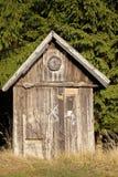 Capanna di legno dei cacciatori Fotografie Stock