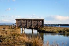 Capanna di legno per il birdwatching Fotografia Stock