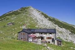 Capanna di Weilheimer in Ester Mountains Immagine Stock Libera da Diritti