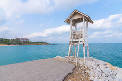 Capanna e mare tropicali a Khao Laem Ya, Rayong, Tailandia fotografia stock libera da diritti