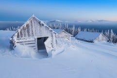 Capanna in montagne di altezza Immagine Stock