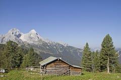 Capanna in montagne di Wetterstein Immagine Stock