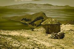 Capanna su Isla del Sol nel Titicaca, Bolivia Immagine Stock