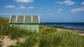 Capanna verde dal mare Fotografia Stock