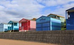 Capanne Colourful della spiaggia Fotografie Stock