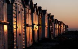 capanne di alba della spiaggia immagini stock libere da diritti