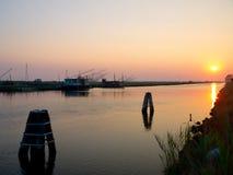 Capanne di pesca nel tramonto Immagini Stock