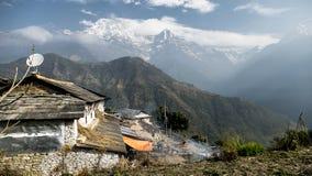 Capanne nepalesi in montagne Fotografie Stock Libere da Diritti