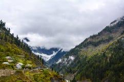 Capanne sulla montagna in Naran Kaghan Valley, Pakistan Fotografie Stock