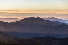Capas de montaña, montaña de Inthanon, Chiang Mai Imagen de archivo libre de regalías