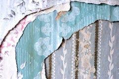 Capas de papel pintado rasgado Fotografía de archivo