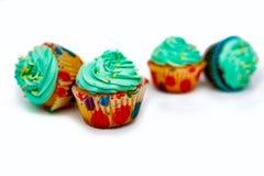Capcake op een blauwe achtergrond, exemplaarruimte royalty-vrije stock afbeeldingen
