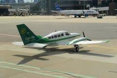 Cape Air Cessna 402 à l'aéroport de Boston Images stock