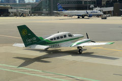 Cape Air Cessna 402 at Boston Airport Stock Images