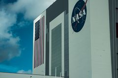 Cape Canaveral, Florida - 13. August 2018: Raumfähre-Aufhängergebäude an der NASA Kennedy Space Center stockbilder