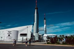 Cape Canaveral, Florida - 13. August 2018: Rocket Garden an der NASA Kennedy Space Center stockbild
