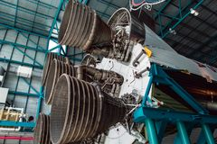 Cape Canaveral, Florida - 13. August 2018: Staurn V Rocket an der NASA Kennedy Space Center stockfotografie