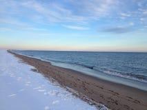 Cape Cod strand i vinter Arkivfoton