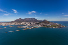 Cape Town Ariel Of Table Mountain & stad Royaltyfri Foto