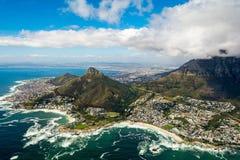 Cape Town et les 12 Apostels d'en haut Photographie stock libre de droits