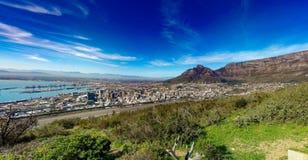 Cape Town hamn från signalkullen Arkivfoto