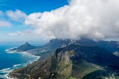 Cape Town och 12na Apostels från över Arkivbilder