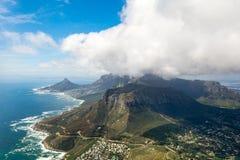 Cape Town och 12na Apostels från över Arkivbild