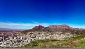 Cape Town stad från signalkullen Arkivfoto
