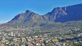 Cape Town-Stadt und -Tafelberg Lizenzfreies Stockfoto