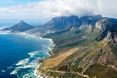 Cape Town y los 12 Apostels desde arriba Imágenes de archivo libres de regalías