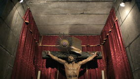 Capela de Santa Catarina con la crucifixión de Cristo almacen de metraje de vídeo