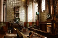 Capela do senhor Saint Jose na catedral, Leon, Guanajuato Vista lateral imagens de stock