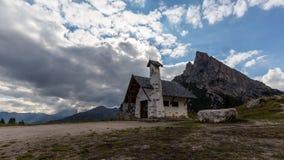 Capela em Passo Falzarego Foto de Stock Royalty Free