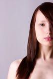 Capelli diritti del fronte della donna del ritratto Fotografie Stock
