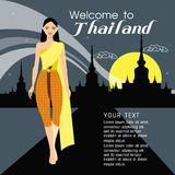 Capelli lunghi delle belle donne con progettazione tailandese del vestito Fotografia Stock Libera da Diritti