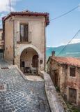 Capestrano L `-Aquila landskap, Abruzzo Italien Royaltyfria Foton